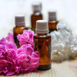 ../../../essential-oils-1433694_1920.jpg